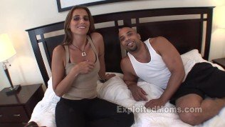 Amateur does a BBC in Hot Mom Movie