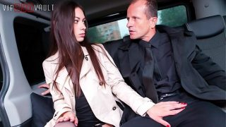 Amazing Russian Babe Arwen Fucks Hard In Traffic With Her Cabby